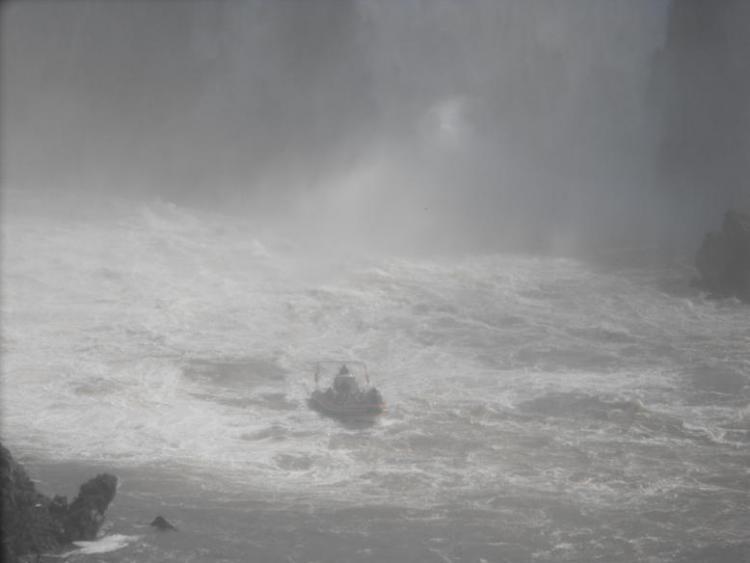 Igauzu Falls Boat